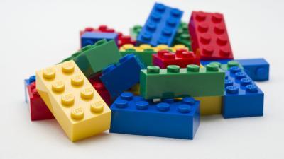 20160423105105-lego2.jpg